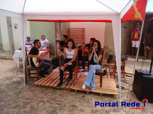 A primeira edição da Feirinha da Vila foi realizada na manhã deste sábado (17/03).