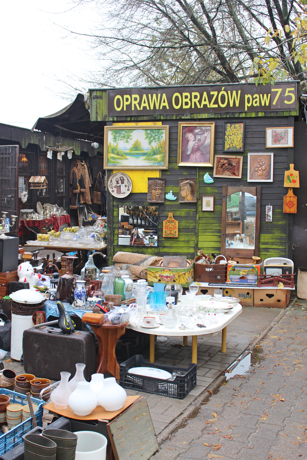 Bazar na Kole flea market in Warsaw - luxury travel blog