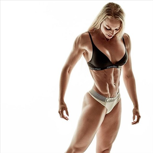 IFBB Athlete Josefine Achen