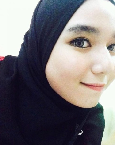Kenyitan Mata Gadis Ini Di Berita TV3 Buat Ramai Cair. Kenali Siapa Dia.