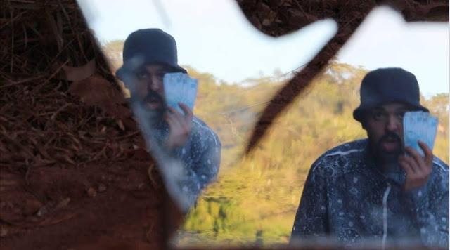 """Assista """"Pau Brasil"""", o novo clipe do músico e produtor Gusmão."""