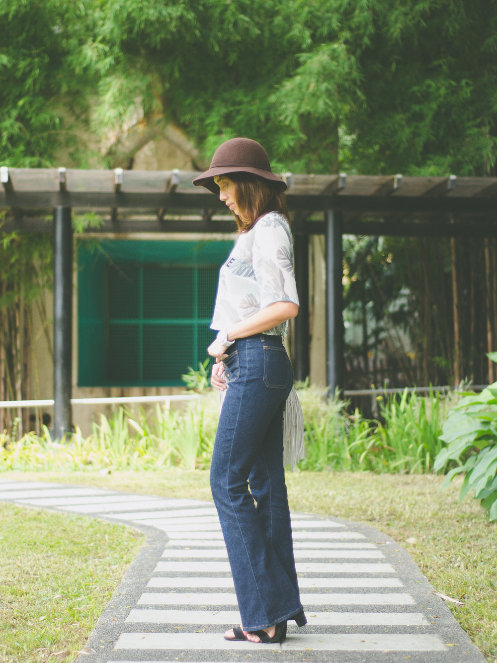 Cebu Fashion Bloggers, Cebu Bloggers, fashion bloggers, food bloggers, beauty blogger, cebu beauty blogger, lifestyle bloggers, asian blogger, cebu, philippines, social influencer, online influencer, philippine bloggers, philippine fashion bloggers, toni pino-oca, Cebu Fashion Bloggers network. flared pants, flares, bell-bottoms, flare pants, seventies trend, seventies fashion