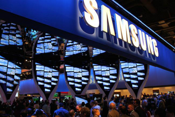 سامسونغ تكشف عن براءة اختراع لجهاز يجمع بين ساعة ذكية و هاتف و حاسوب لوحي