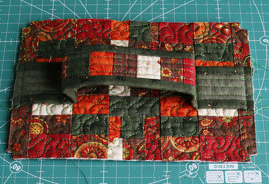How to make picture tutorial travel Bag. Sewing quilting patchwork pattern.