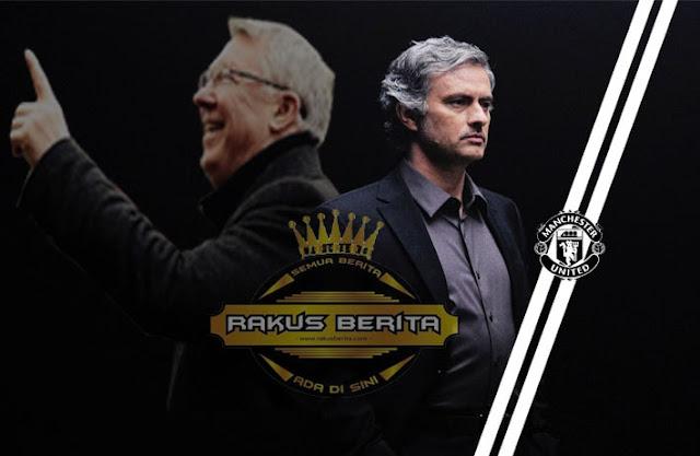 Jose Mourinho Mengaku Sulit Gantikan Peran Fergie