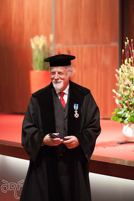 Professor Hans Reinders with his Royal Award