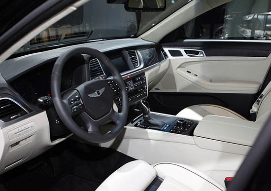 Burlappcar 2015 Hyundai Genesis Interior