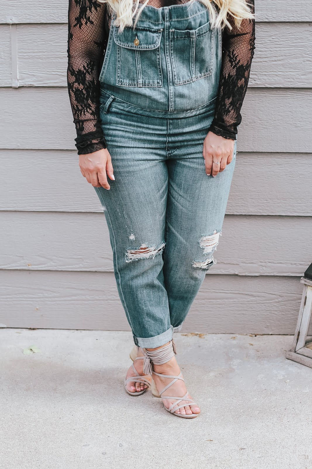 Cute Overall Outfit featured by top Denver fashion blog, Delayna Denaye