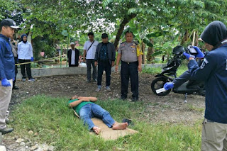 Polisi melakukan olah TKP lanjutan terkait kematian Bripka Matheus di TPU Mutiara Pancoran Mas, Depok, Kamis (3/1/2019). - Foto/KOMPAS.COM