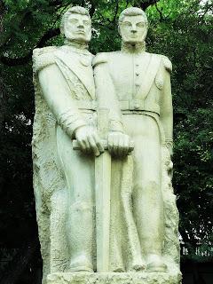 Monumento a O'Higins e San Martín - Plaza Chile, Mendoza