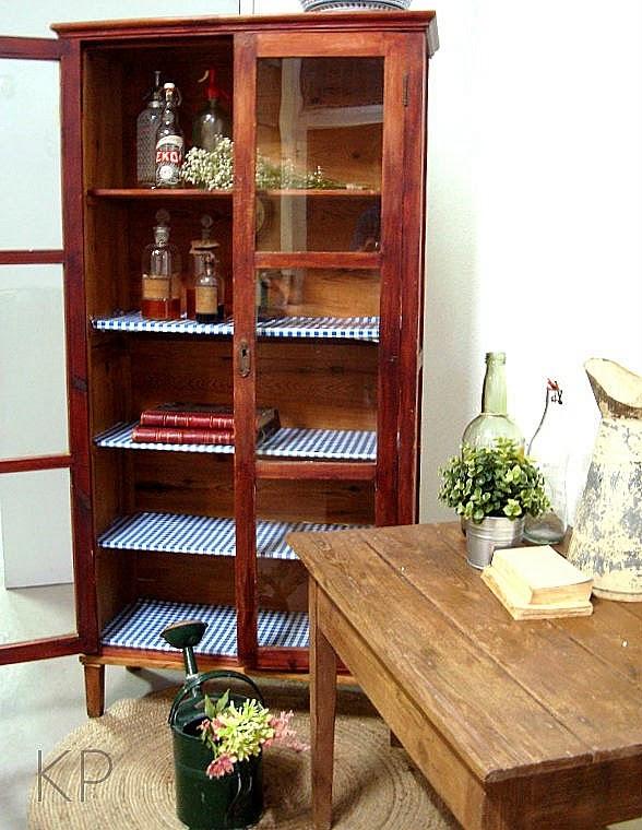 Alacena vintage de madera antigua. Comprar vitrina rústica en valencia