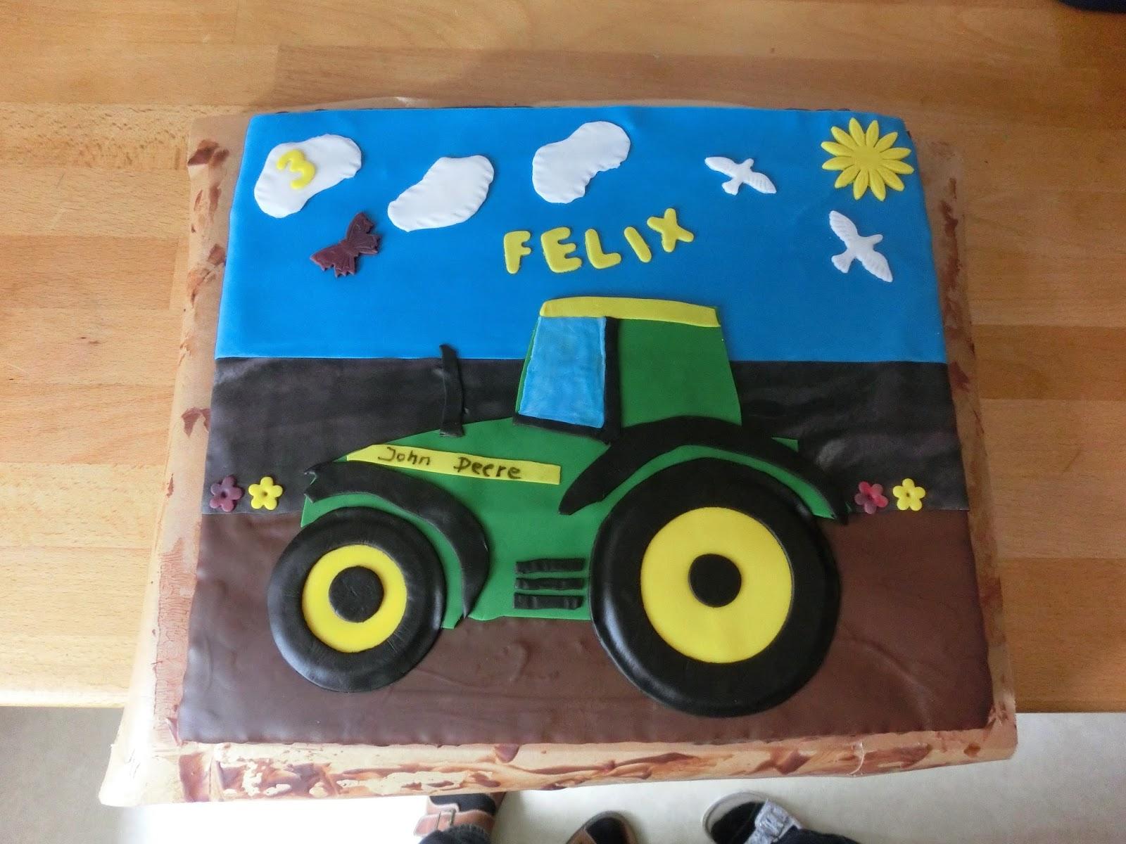 """""""Rot-Knppchen"""" backt...: 18.05. - Traktor-Torte fr Felix ..."""