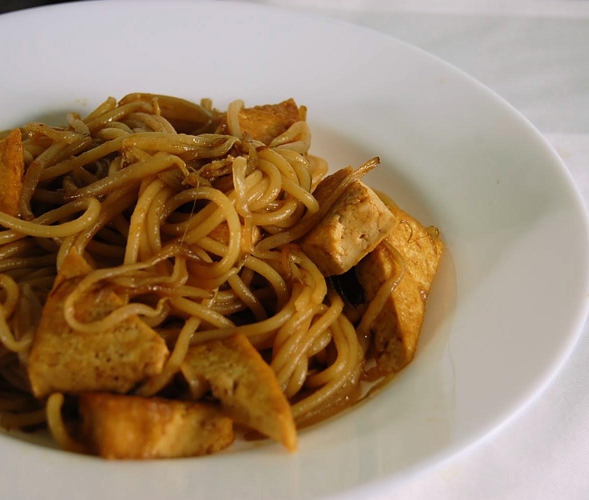 Rezept einfaches Asiatisch Wok Gebratene Nudeln mit Tofu