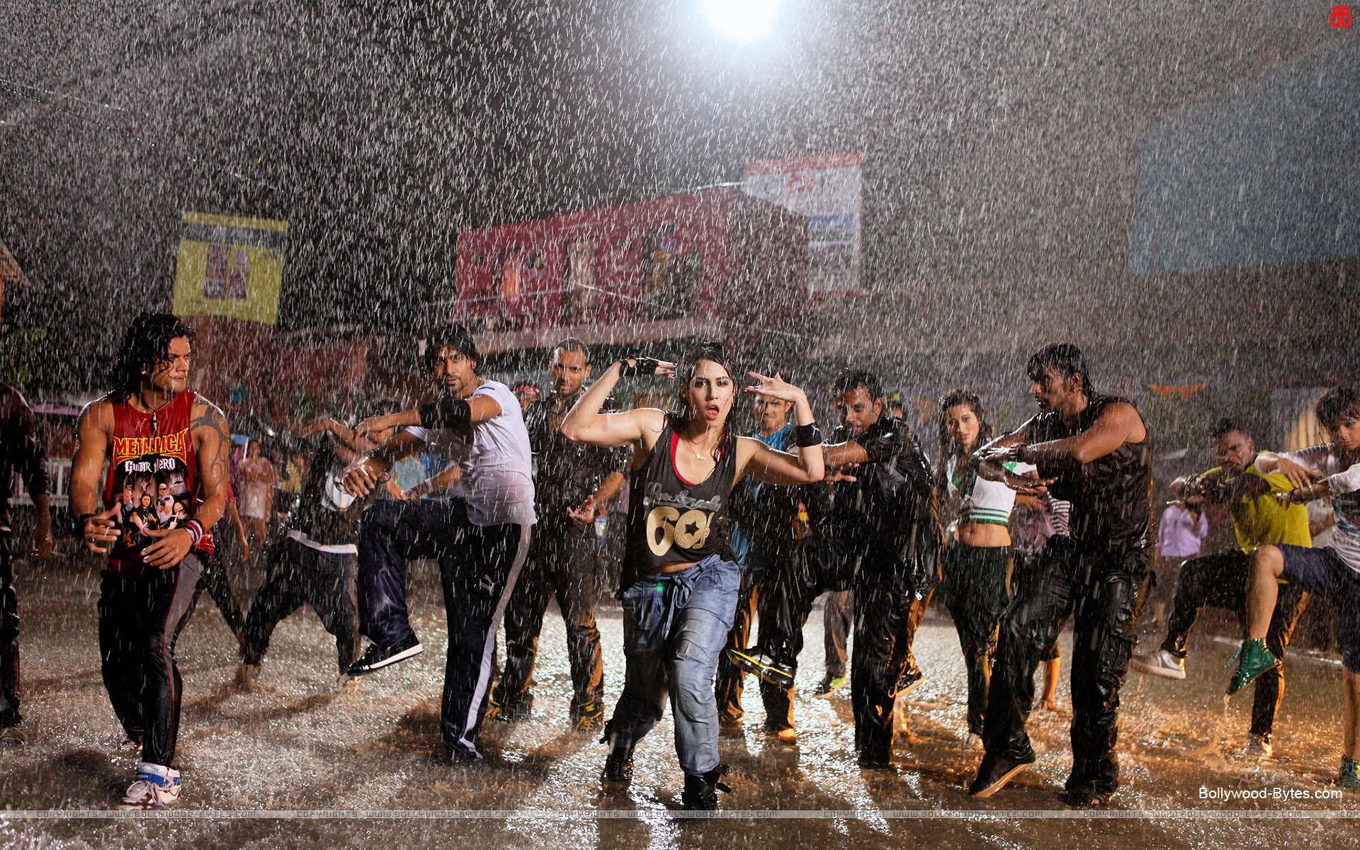 https://2.bp.blogspot.com/-xa600UKO3ng/URaDg_SfziI/AAAAAAAAasg/QwodqYX1VH0/s1920/ABCD-Any-Body-Can-Dance-++Hot-Lauren-Gottlieb-Salman-Yusuff-Khan-Deharmesh-Yeland -HD-Wallpaper-12.jpg