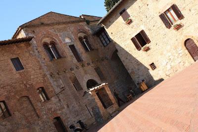 Piazza Pecori in San Gimignano
