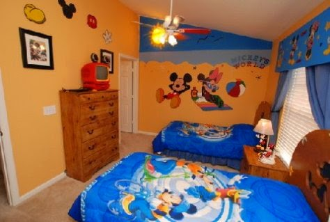 Cuarto Mickey Mouse
