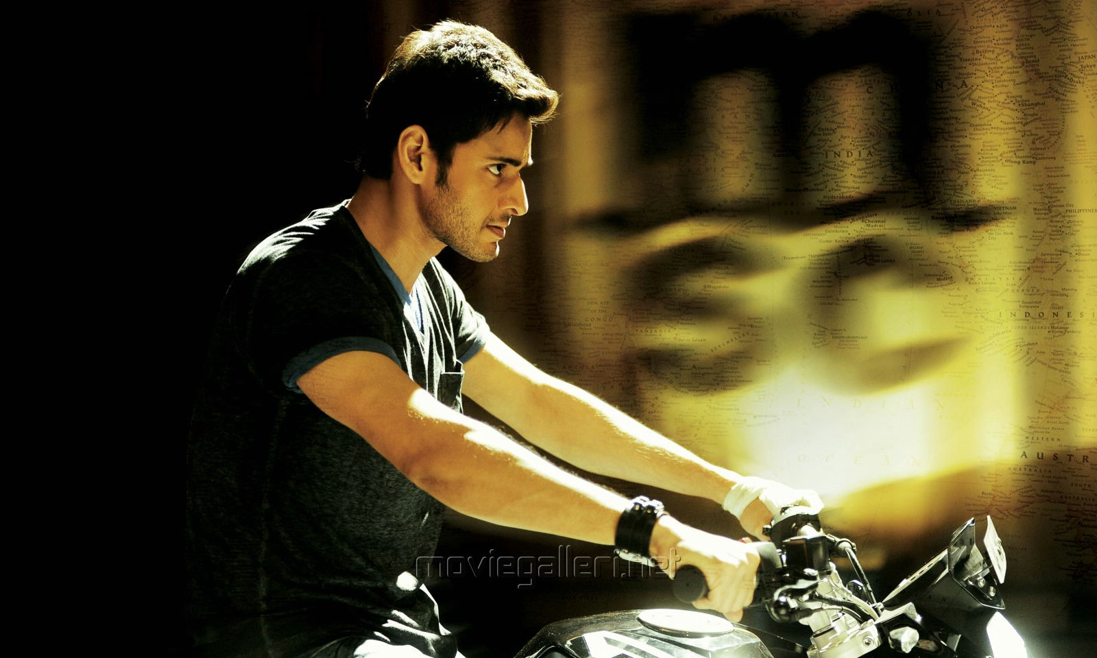 download unseen pics of mahesh babu - bollywood unseen pics