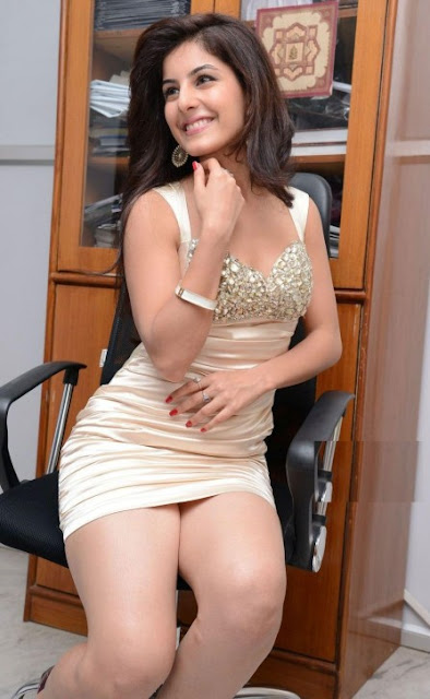 indian actress without dress photos