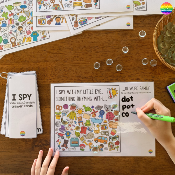 Word Family I Spy Mats - ready to print I Spy mats for short vowel sound word families. Perfect for literacy centers or Daily 5 Word Work, these I Spy CVC word mats are a fun way to hear and identify rhyme | you clever monkey