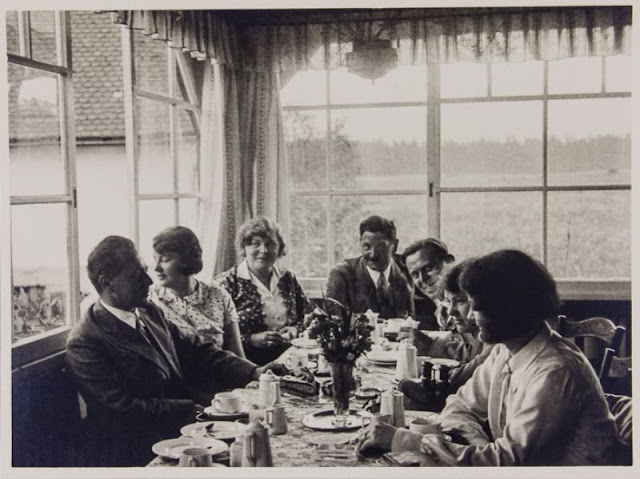 25 Rare And Candid Photographs Of Geli Raubal Adolf