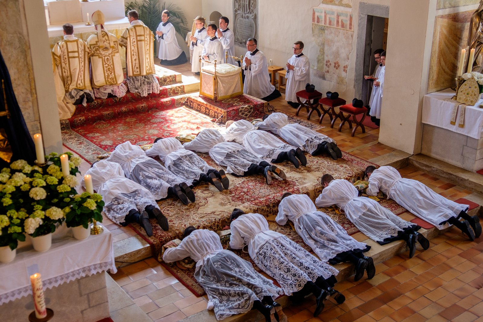 Francois Illas New Tradition: RORATE CÆLI: Eleven New Deacons For The FSSP (Wigratzbad