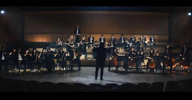 オーケストラが演奏している場所は?ポルシェがユニークなCM「ハイスピードオーケストラ」を公開。