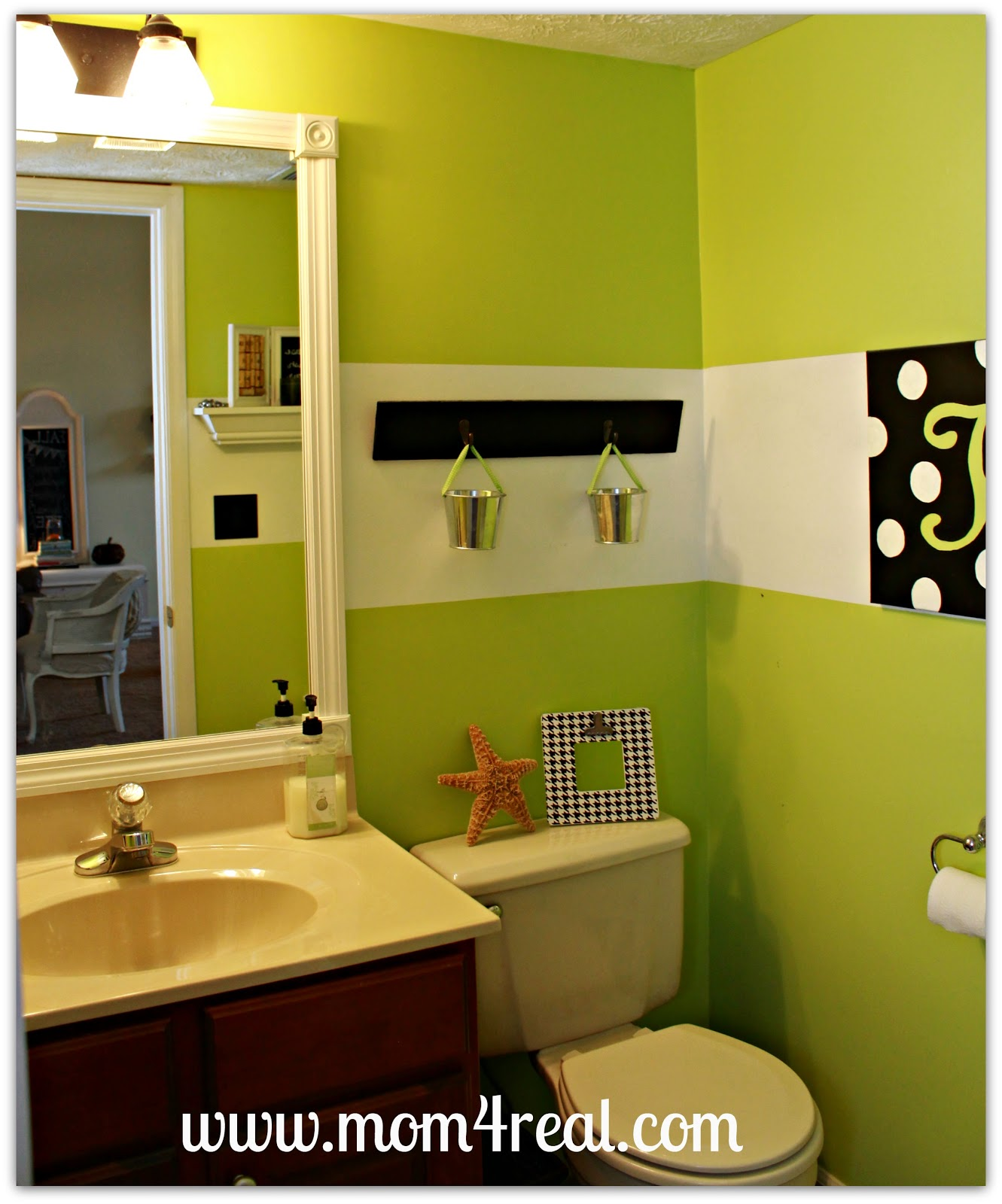 Frame Out Your Builder s Grade Mirror Without Mitering Mom 4 Real