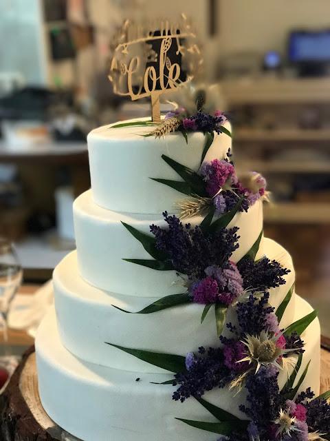 wedding cake, Wedding abroad, Mountain wedding lake-side at the Riessersee Hotel Resort Bavaria, Germany, Garmisch-Partenkirchen