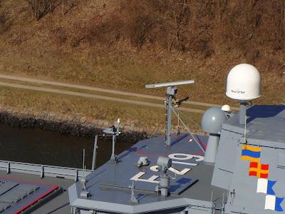 فرقاطة الدفاع الجوي اف 124 Navigation%2Bradar