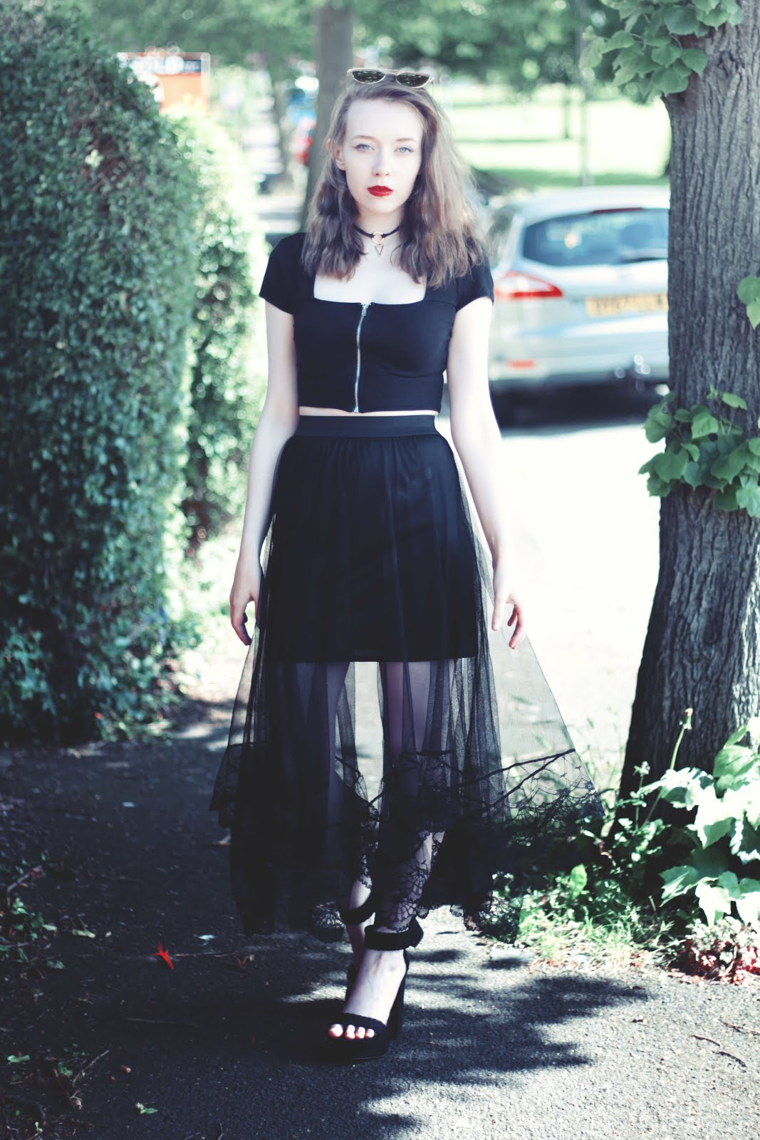 black lace maxi skirt summer outfit inspiration