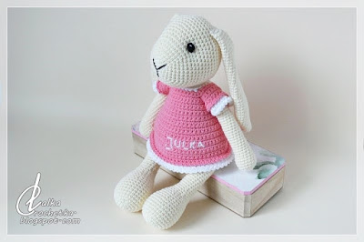 http://lalkacrochetka.blogspot.com/2019/01/bunny-julka-kroliczek-julka.html