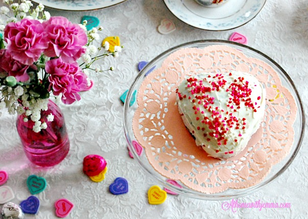tablecloth-candy-pink-cake-doily-Valentine-jemma