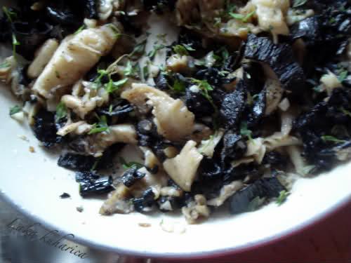 fry mushrooms, garlic, thyme, sea salt and pepper
