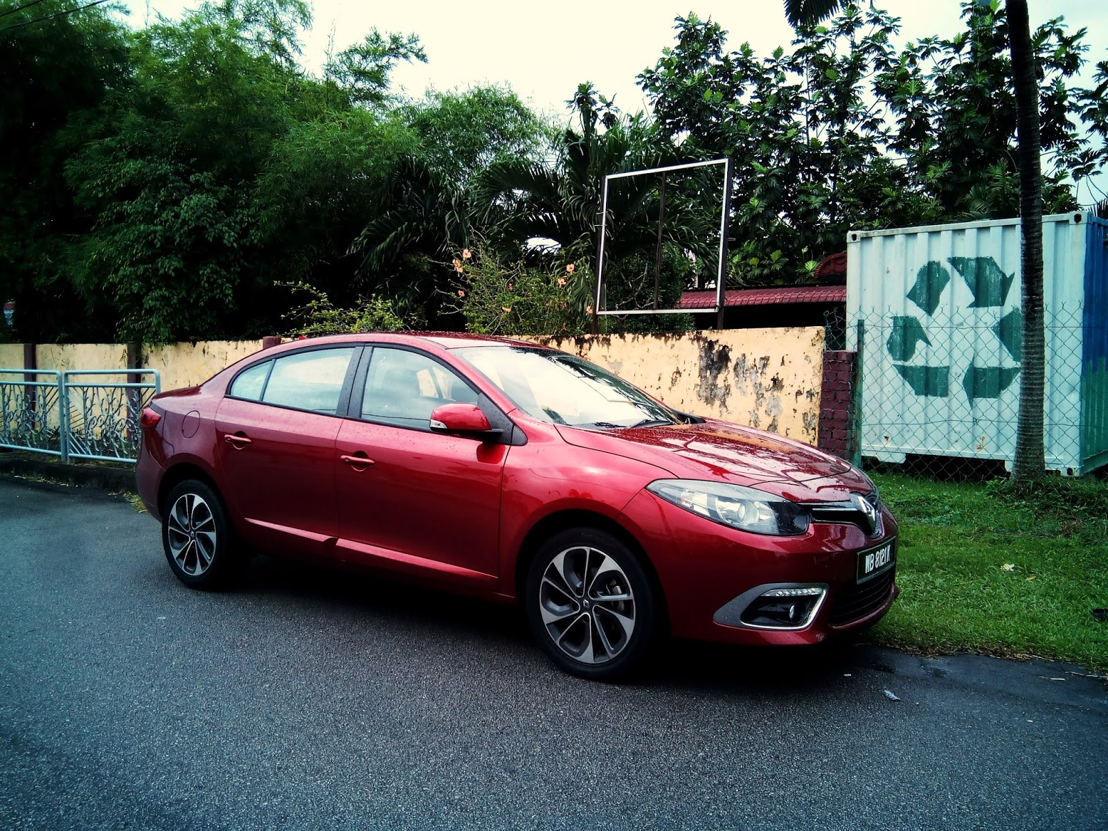Motoring Malaysia Test Drive 2015 Renault Fluence Dynamique