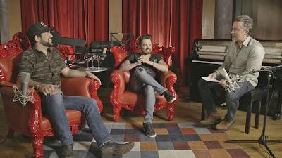 Rick Bonadio conversa com a dupla Fernando & Sorocaba - Divulgação/Band