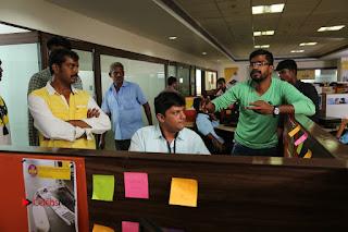 Enakku Vaaitha Adimaigal Tamil Movie Working Stills  0009.JPG