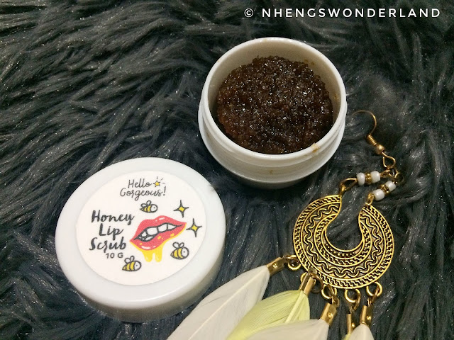 HELLO GORGEOUS! HONEY LIP SCRUB