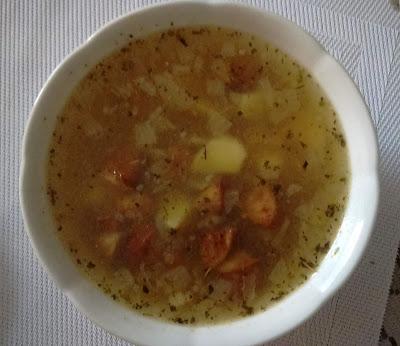 2036. Gotujemy w weekend, cz. 86 zupa wiejska z kiełbasą, ziemniakami i cebulą