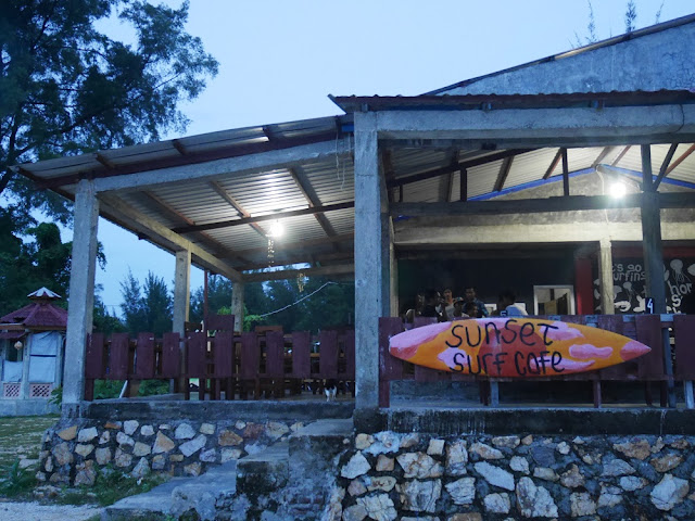 Sunset Surf Cafe