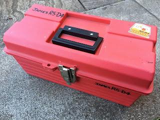 R5-D4, tool box