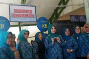 Ny. A.Dwiyanti Musrifah Basli Tinjau Pos Pelayanan KB