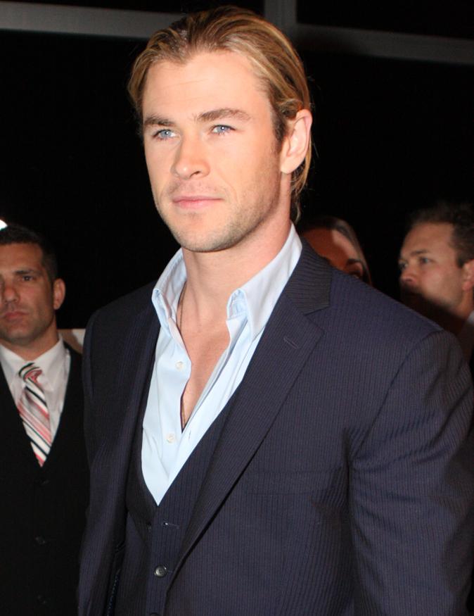 Chris Hemsworth Biography, Height, Weight, Age, Affair ...