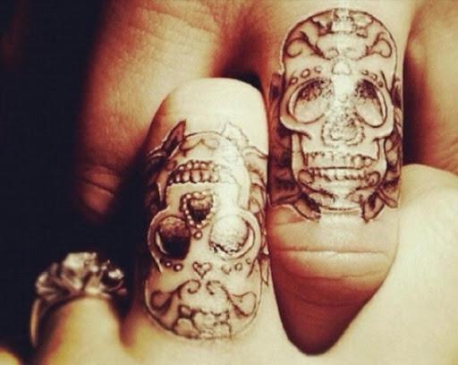 Essas intrincadas crânio tatuagens
