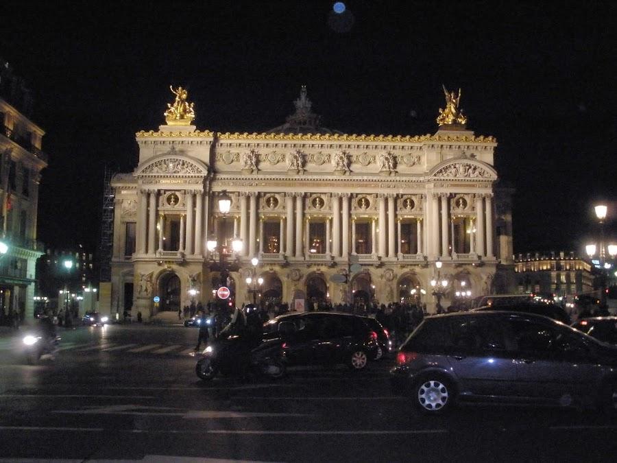 Ópera Garnier, es la Ópera Nacional de París.