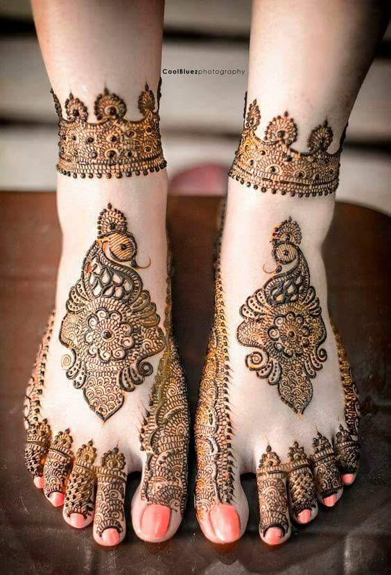 Bridal Mehandi Designs for Legs 8