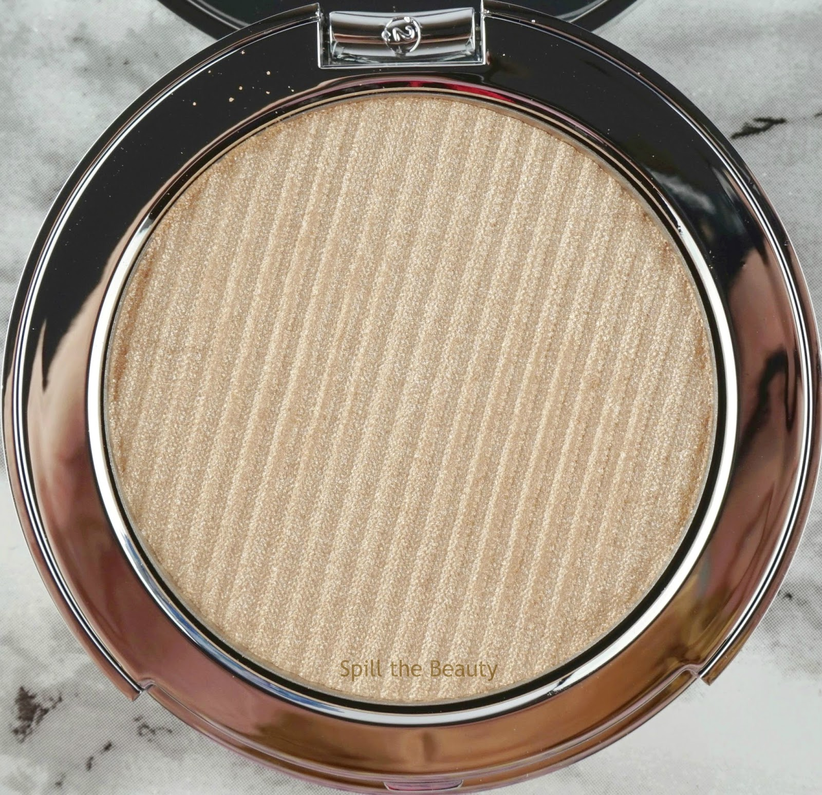estee lauder Estée Edit Flash Illuminator Fluid Powder Heat 01 review comparison swatches