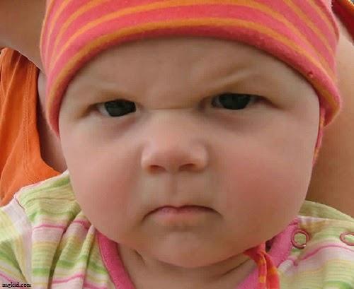 Photo bébé avec sa maman en colère
