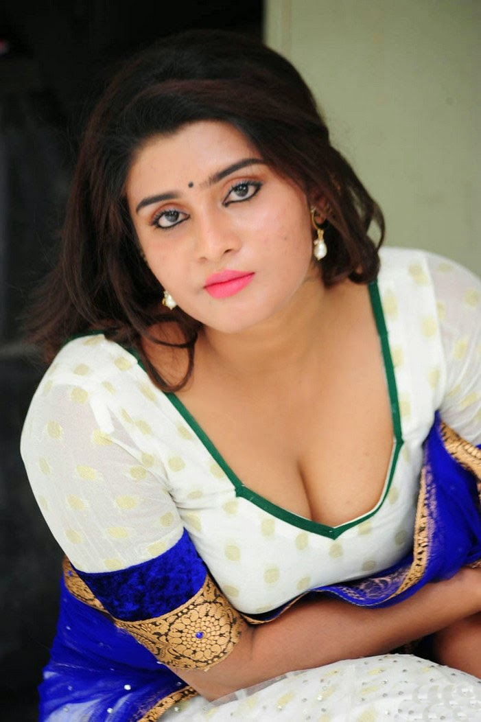 Indian actress pantyless photos-8970