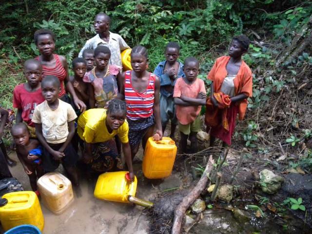 Conflict,  Displacement,  Epidemic,  Food crisisL'eau potable, , RDC:,denrée rare,assainissement, umanitaire, crisis, aide