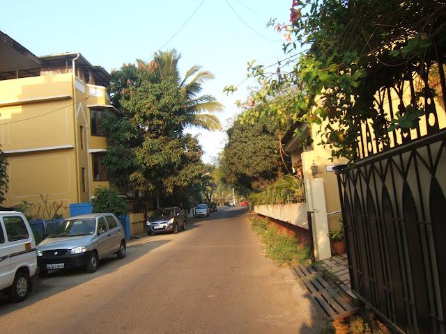 дорога от отеля Мирамар